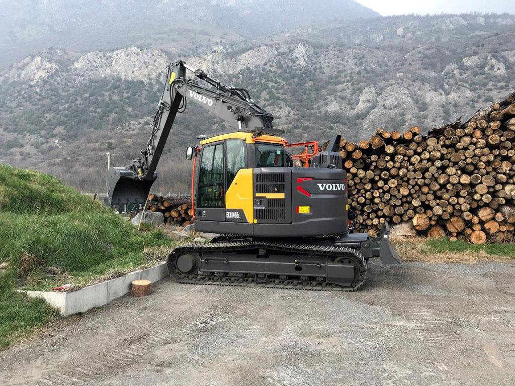 Escavatore/Movimentatore di materiali cingolato VOLVO ECR145